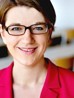 Prof. Dr. Stefanie Rathje: Vita